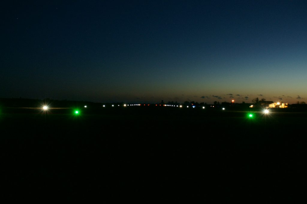 Vue de la piste de nuit